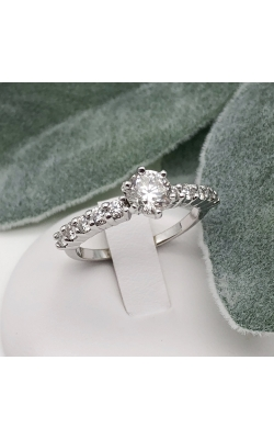 0.92ct Star129 Round Center Ring 0.50cttw Sides product image