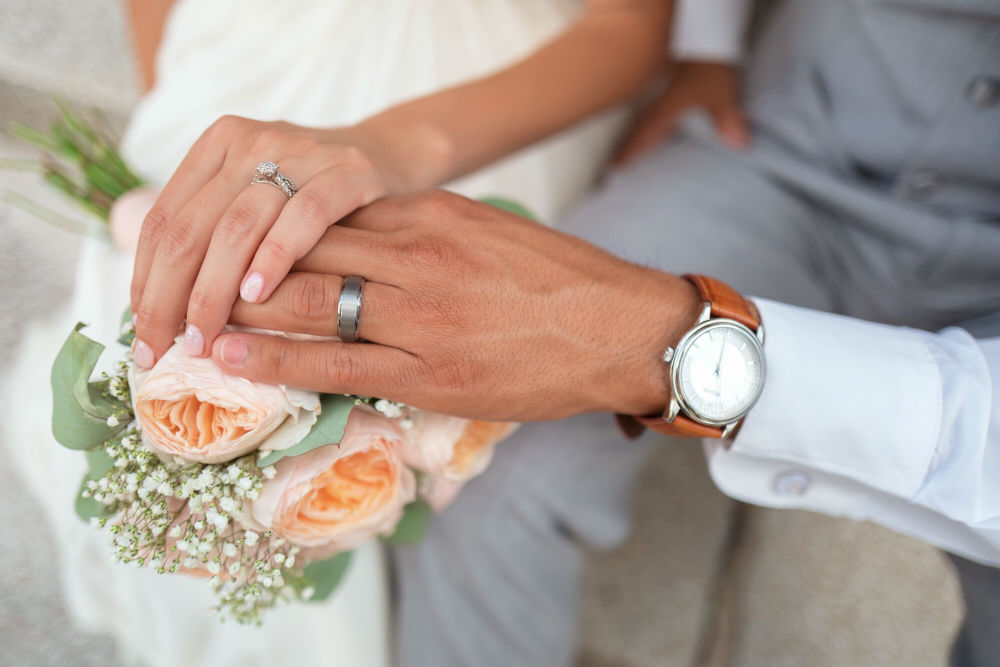 The Fiancé's Handy Guide on the Best Metals for Their Wedding Band